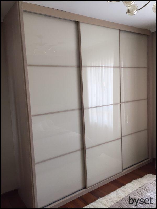 Armario empotrado 3 puertas correderas cristal mueblesbyset - Puertas correderas de armarios ...