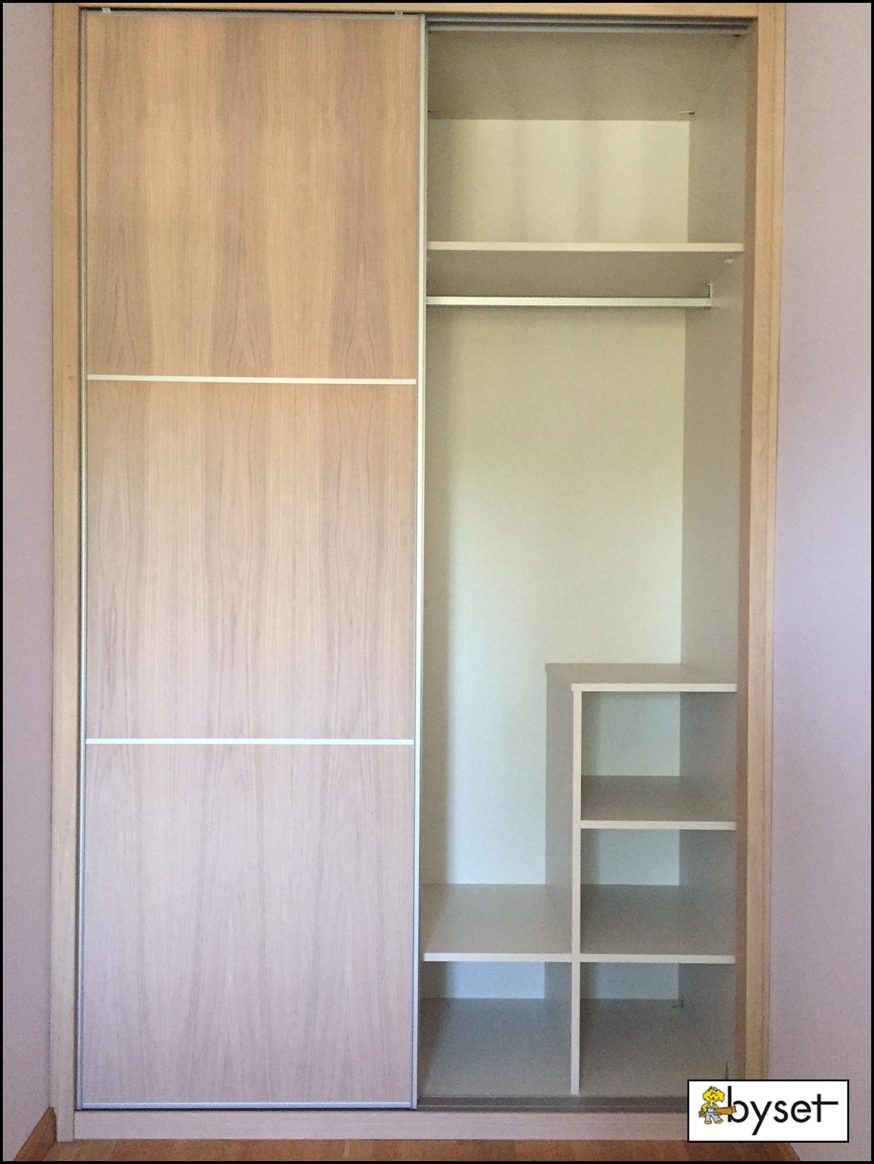 Armarios de madera para dormitorios aqu puedes ver otro for Puertas de madera para dormitorios